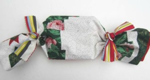 HOW-TO-MAKE-NO-SEW-FABRIC-GIFT-BAGS-AND-WRAP Fabric-Bag-options ko-ecolife