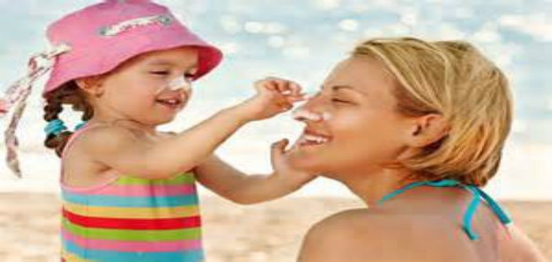 YOUR-SUNSCREEN-MAY-BE-CAUSING-CANCER!? -HOW-TO-MAKE-YOUR-OWN-ALL-NATURAL-SUNSCREEN|ko-kidz|natural-sunscreen-mom-girl